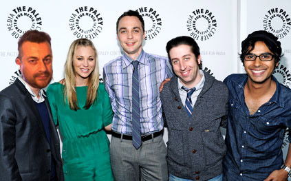 The-big-bang-theory-cast-the-big-bang-theory-29119538-423-263